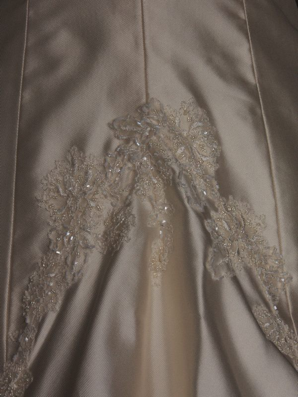 Dalhia robe de mariée d'occasion détail de la traîne