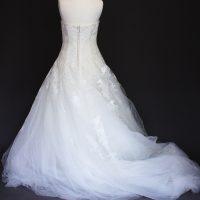Lesly la mariée à bicyclette - robe de mariée occasion - pronovias dos