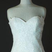 Darline Cymbeline détail bustier la mariée à Bicyclette robe de mariée occasion
