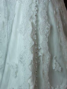Lionera - Allure - detail dentelle - la mariée à Bicyclette - robe de mariée occasion