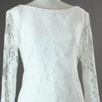 Evelyne - Jesus Peiro - detail devant- la mariée à Bicyclette - robe de mariée occasion détail haut