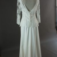 Evelyne - Jesus Peiro - la mariée à Bicyclette - robe de mariée occasion détail du dos
