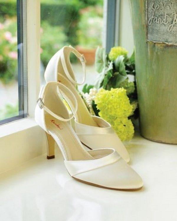 Amanda (2) - La mariée à Bicylette - chaussures Elsa Coloured Shoes
