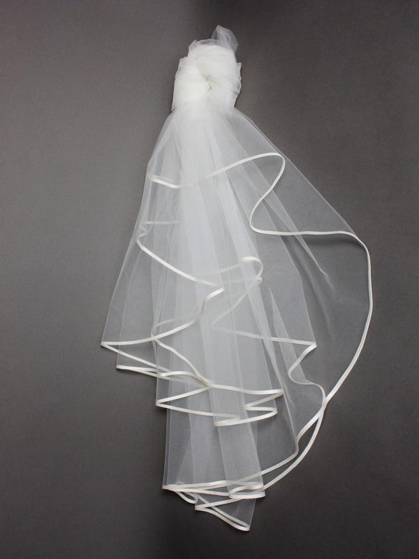 Voile la mariée à bicyclette bord passepoilé