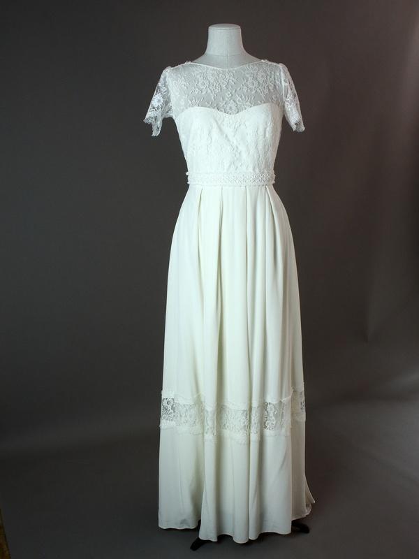 1701-36-007 - Mallarmé - Laure de Sagazan - devant - la mariée à Bicyclette - robe de mariée occasion