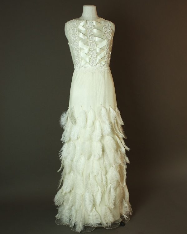 Gloria - Suzana Alta Moda - La mariee à bicyclette - robe de mariée outlet - devant