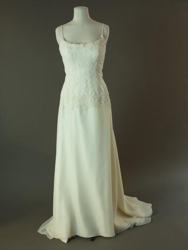 Elinda - Cymbeline - La mariée à bicyclette - robe de mariée d'occasion - devant